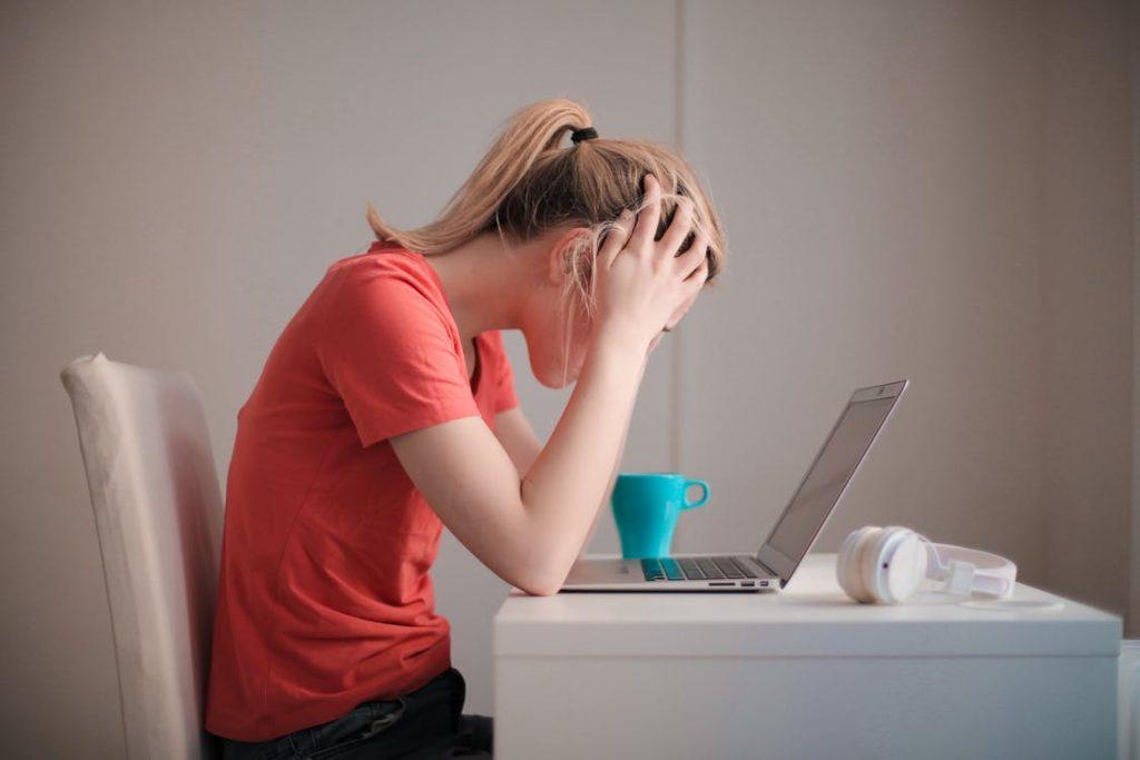 Stresul și căderea părului pe fond nervos